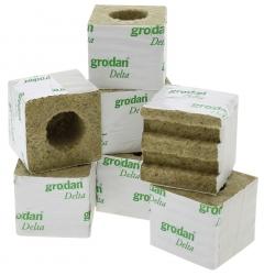 Cube de laine de roche Grodan 7.5x7.5cm avec trou 4 cm